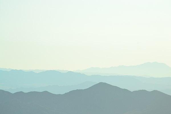 Mojave national preserve mountain range 2013.JPG