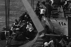 Monte Cervantes sinking 2.jpg