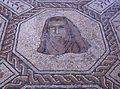 Mosaico Medusa y estaciones (M.A.N. Madrid) 01.jpg
