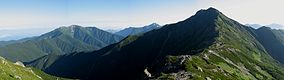 Mt.Kitadake and Mt.Senjogatake from Mt.Nakashirane.jpg