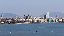 Mumbai 03-2016 27 skyline at Marine Drive.jpg