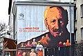 Mural Oswajanie starości przy ul. Pięknej w Warszawie.jpg