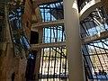Museo Guggenheim, interior, Bilbao (31987409102).jpg
