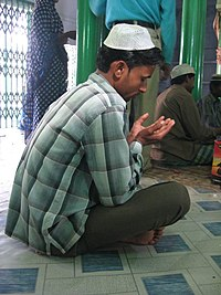 Muslim man at prayer.jpg