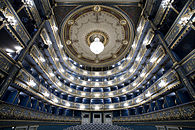 Narodni Divadlo, Estates Theater, Prague - 8593.jpg