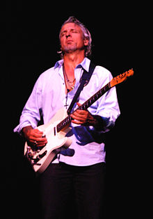 Neil Giraldo Live