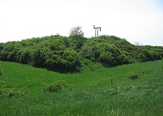 Neugartheim-Ittlenheim - View to the Kochersberg and the memorial