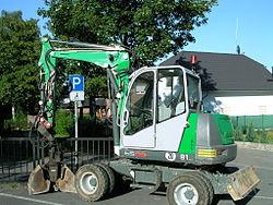 escavatore compatto o midi escavatore definizione 250px-Neuson_6502