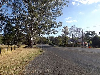 Hampton, Queensland - New England Highway at Hampton, 2014