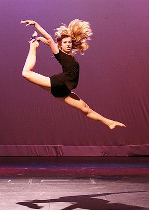 Split leap - Image: Nw Fusion Angela Leap