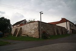 Old castle in Jasenice, Třebíč District.JPG