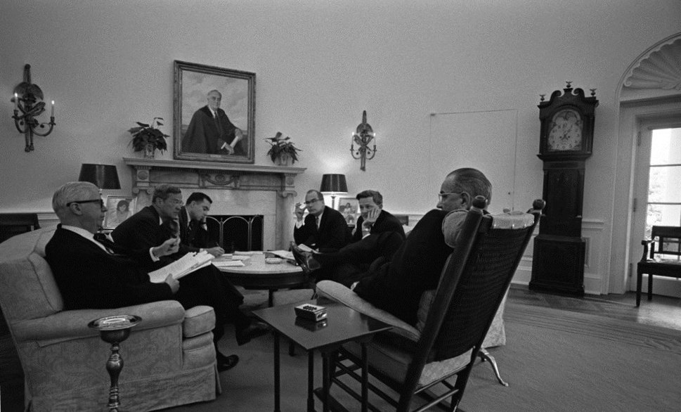 Oval Office Meeting 5 June 1967.jpg