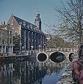 Overzicht van de voorgevel en de brug - Leiden - 20382197 - RCE.jpg