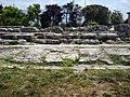 Paestum ruins (6120353237).jpg