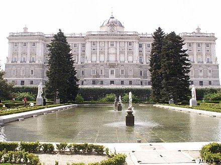Royal Palace of Madrid Palacio Real - Jardines Sabatini 3.jpg
