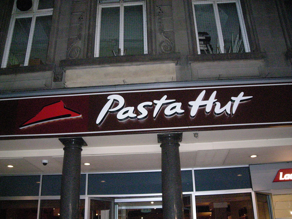 1200px-Pasta_Hut.JPG