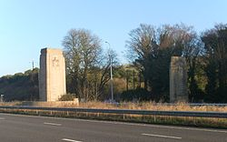 Patcham Pylons, A23 (London Road), Patcham (from SW).jpg