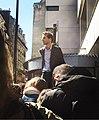 Paul Cassia dans la foule.jpg