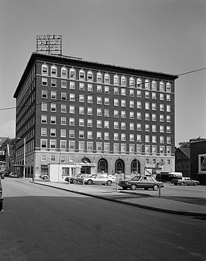 Penn Alto Building - Front of the hotel, 1989