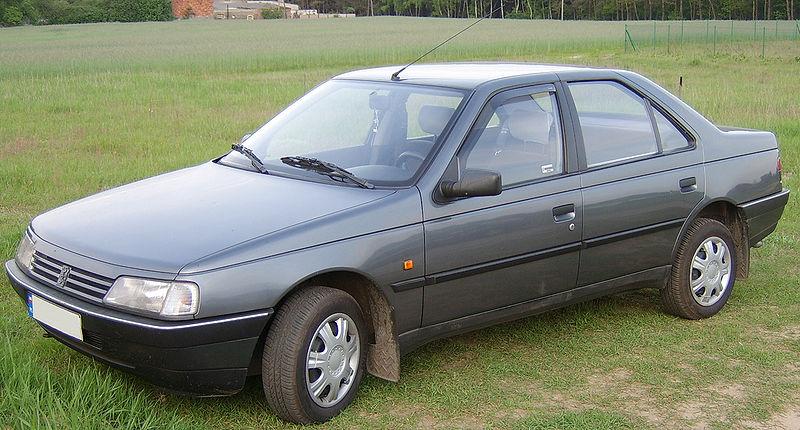 سيارات من الماضي 800px-Peugeot405.jpg