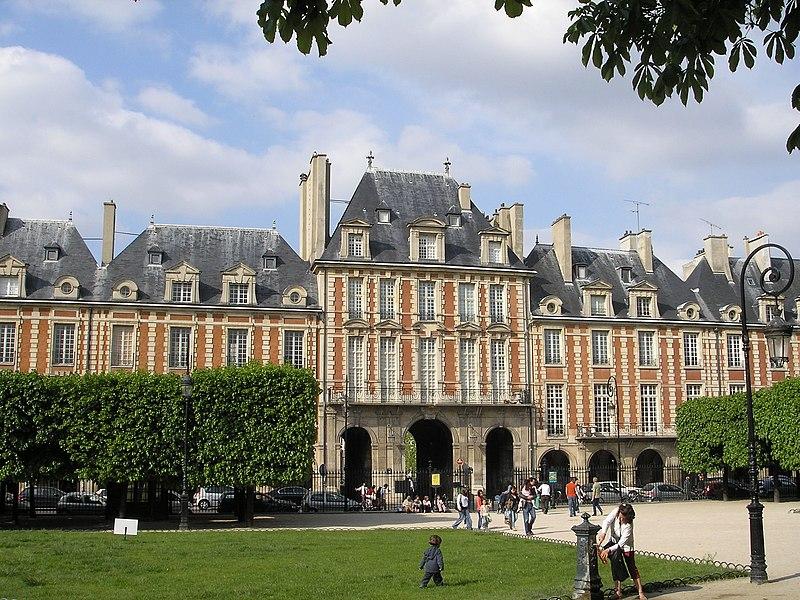 Plik:Place Vosges Paris Mai 2006 001.jpg
