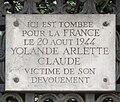 Plaque Yolande Arlette Claude, Place Charles-de-Gaulle, Paris 16.jpg