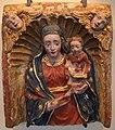 Plastificatore lombardo-piemontese, fine xv-inizi xvi secolo, Madonna col Bambino entro nicchia a conchiglia.jpg