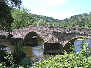 Sioule - The bridge over the Sioule in Menat.