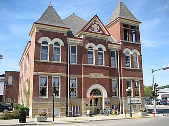 Pontiac, Illinois - Pontiac City Hall and Fire Station