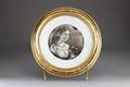 Porslinstallrik med porträtt från 1860-talet - Hallwylska museet - 93864.tif