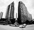 Praça Sete de Setembro e edifícios Helena Passing e sede do Banco Mineiro da Produção ao fundo, Belo Horizonte MG.jpg