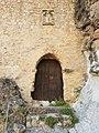 Puerta en la muralla del Castillo de la Yedra.jpg