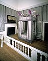 Queens bedchamber of the Queens House (7118142433).jpg