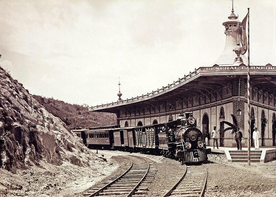 Railroad station in minas gerais 1884