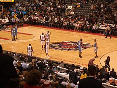A game between the Raptors and the Nuggets, 10 March 2006.
