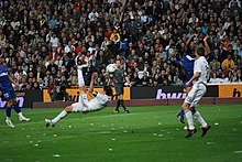 1b0b4e02053 Raúl executing a bicycle kick for Real Madrid in 2009