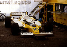 Une Renault RS10 dans les stands du Grand Prix de Monaco 1979.