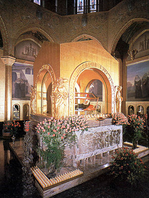 Rita of Cascia - Saint Rita's tomb with her incorrupt body at the Basilica of Cascia.