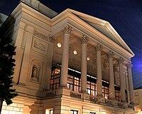 Royal Opera House at night.jpg