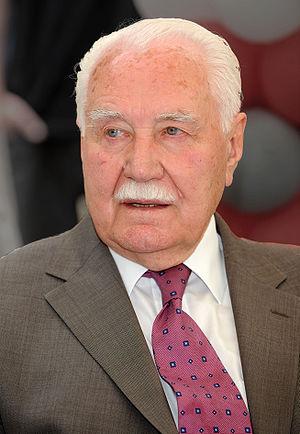 Ryszard Kaczorowski - Image: Ryszard Kaczorowski 2008 edit