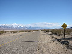 SR 190 in Panamint Valley.jpg