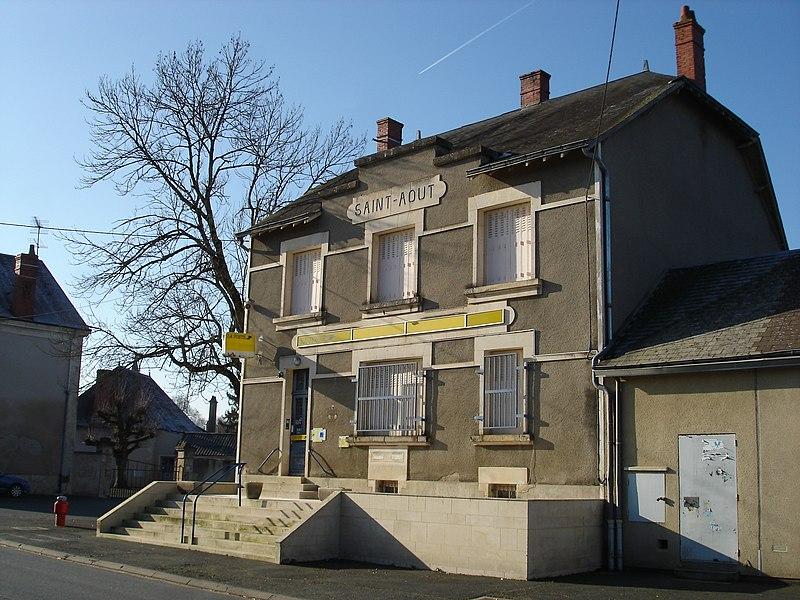 Saint-Août (36): Le bureau de poste.