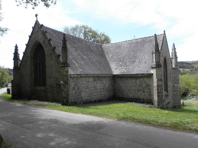 Chapelle Saint-Adrien en Saint-Barthélémy (56). Chevet et croisillon nord.