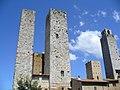 San Gimignano - Piazza di Duomo - panoramio - jeffwarder.jpg