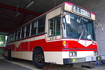 Sapporo municipal bus old color.JPG