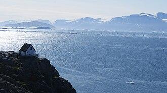 Uummannaq Fjord - Sarqarput Strait in southwestern Uummannaq Fjord separates Nuussuaq Peninsula from Uummannaq Island
