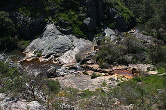 Serpentine River (Western Australia) - Image: Serpentine River above falls