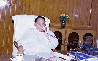 Priya Ranjan Dasmunsi - Image: Shri P. R. Dasmunshi takes over the charge as the Union Minister of Water Resources in New Delhi on May 24, 2004