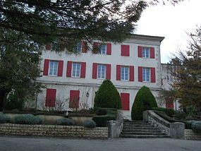 Simiane-collongue-hotel-de-ville.JPG
