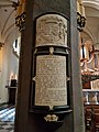 Sint-Servaasbasiliek, zuiderzijbeuk, epitaaf.jpg